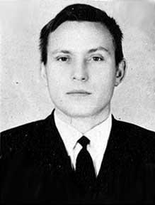 Senior instructor V.I.Konontsev