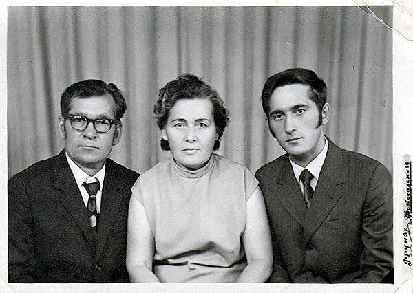 Me and my parentas after graduating.